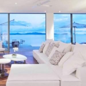 como-point-yamu-phuket-honeymoon-point-yamu-pool-villa-living-room1