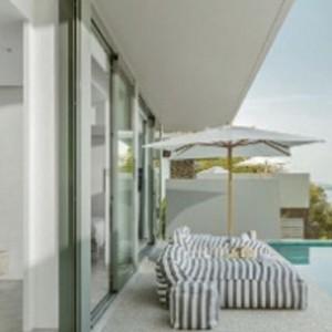 como-point-yamu-phuket-honeymoon-one-bedroom-pool-villas-living-room1