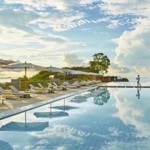 como-point-yamu-phuket-honeymoon-pool