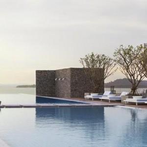 como-point-yamu-phuket-honeymoon-pool-sunset