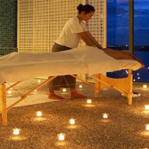 como-point-yamu-phuket-honeymoon-spa-massage