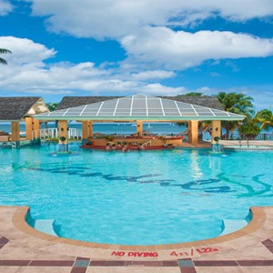 sandals-negril-jamaica-holiday-pool