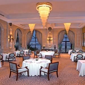 shangri-la-hotel-qaryat-al-beri-abu-dhabi-honeymoon-bord-eau
