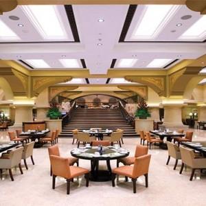 shangri-la-hotel-qaryat-al-beri-abu-dhabi-honeymoon-sofra-bld