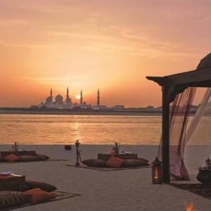 shangri-la-hotel-qaryat-al-beri-abu-dhabi-honeymoon-beach-view