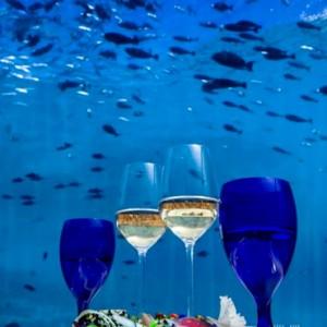 5-8-undersea-hurawaihi-luxury-maldives-honeymoon