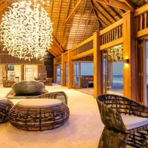 bar-hurawaihi-luxury-maldives-honeymoon