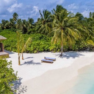 beach-villa-hurawaihi-luxury-maldives-honeymoon