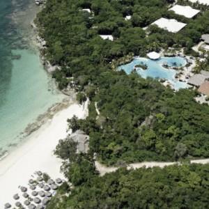 exterior-2-pardisus-rio-de-oro-resort-spa-cuba-honeymoons