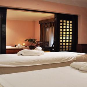 hotel-saratago-cuba-honeymoon-packages-spa-treatent-room