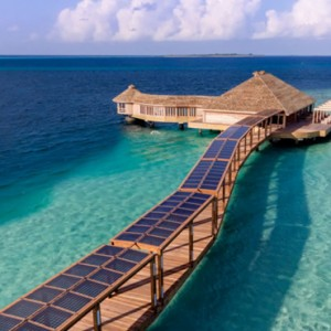 jetty-hurawaihi-luxury-maldives-honeymoon