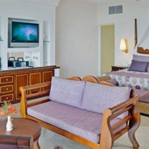 junior-suite-royal-service-paradisus-rio-de-oro-resort-spa-cuba-honeymoon