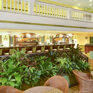 lobby-iberostar-parque-central-luxury-cuba-honeymoon-packages