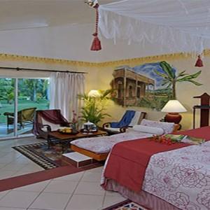luxury-junior-suite-paradisus-rio-de-oro-resort-spa-cuba-honeymoon
