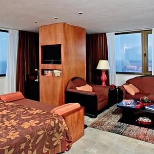 melia-cohiba-cuba-honeymoon-packages-junior-suite