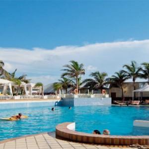 melia-cohiba-cuba-honeymoon-packages-pool
