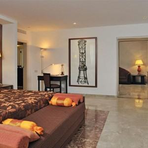 melia-cohiba-cuba-honeymoon-packages-the-level-master-suite-room