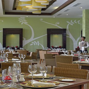 melia-marina-varadero-cuba-honeymoon-packages-don-peperoni-restaurant