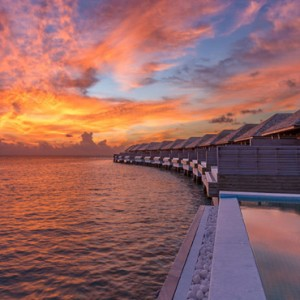 ocean-pool-villa-2-hurawaihi-luxury-maldives-honeymoon