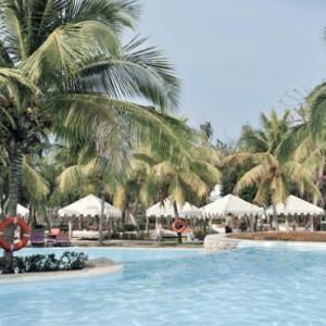 pool-2-pardisus-rio-de-oro-resort-spa-cuba-honeymoon