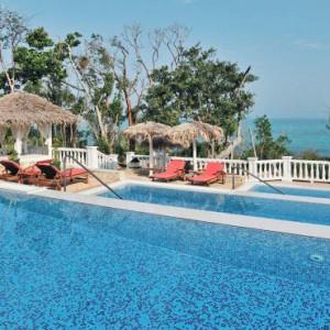 pool-3-pardisus-rio-de-oro-resort-spa-cuba-honeymoon