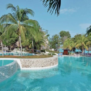 pool-pardisus-rio-de-oro-resort-spa-cuba-honeymoon