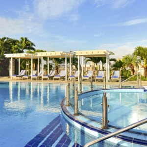 rooftop-iberostar-parque-central-luxury-cuba-honeymoon-packages