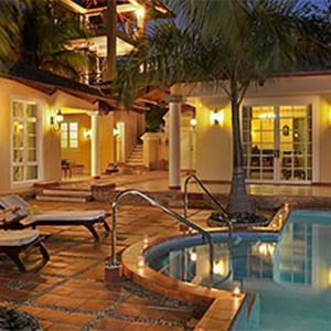 royal-service-garden-villa-paradisus-rio-de-oro-resort-spa-cuba-honeymoon