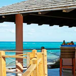 beach-bar-melia-buenavista-cuba-honeymoon-packages