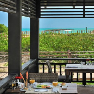 diner-outside-melia-buenavista-cuba-honeymoon-packages