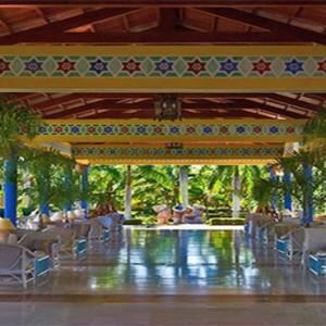 lobby-entrance-pardisus-rio-de-oro-resort-spa-cuba-honeymoon