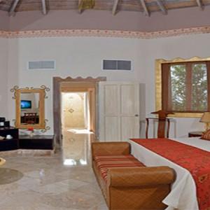 luxury-junior-suite-royal-service-paradisus-rio-de-oro-resort-spa-cuba-honeymoon