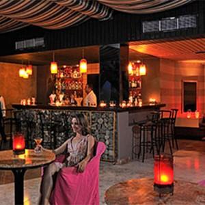 nightclub-pardisus-rio-de-oro-resort-spa-cuba-honeymoon