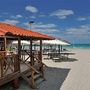 paradisus-princesa-del-mar-cuba-honeymoons-beach-bar