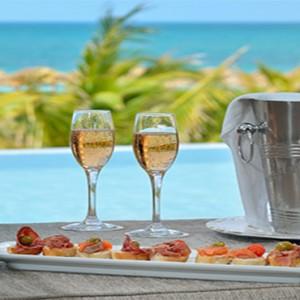 paradisus-princesa-del-mar-cuba-honeymoons-champagne