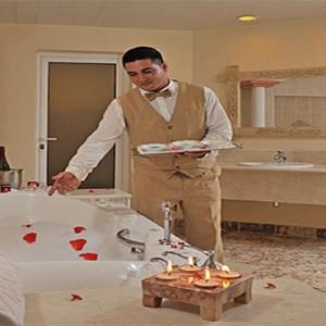 royal-service-pardisus-rio-de-oro-resort-spa-cuba-honeymoon