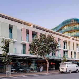 adina-apartment-hotel-bondi-beach-australia-honeymoon-packages-hotel-exterior1