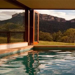 emirates-one-only-wolgan-valley-australia-honeymoon-packages-heritage-villas-exterior-pool