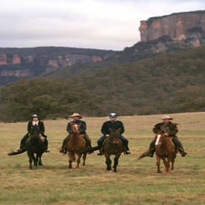 emirates-one-only-wolgan-valley-australia-honeymoon-packages-horseback-riding