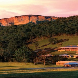 emirates-one-only-wolgan-valley-australia-honeymoon-packages-hotel-exterior