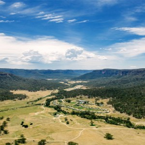emirates-one-only-wolgan-valley-australia-honeymoon-packages-view-of-hotel