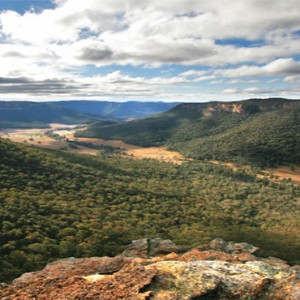 emirates-one-only-wolgan-valley-australia-honeymoon-packages-local-area