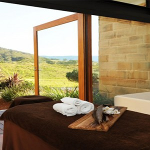 emirates-one-only-wolgan-valley-australia-honeymoon-packages-spa-treatment-room