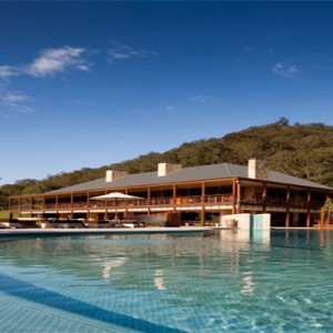emirates-one-only-wolgan-valley-australia-honeymoon-packages-swimming-pool