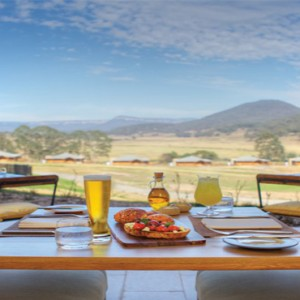 emirates-one-only-wolgan-valley-australia-honeymoon-packages-the-country-kitchen-view