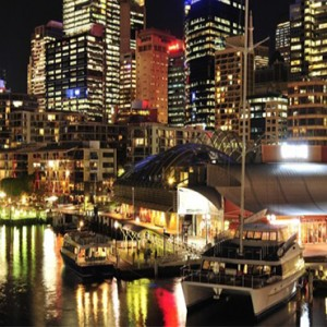 holiday-inn-darling-harbour-australia-honeymoon-packages-middle-darling-harbour-at-night