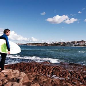 intercontinental-sydney-australia-honeymoon-packages-surfing
