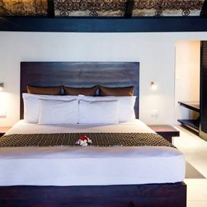 matamanoa-island-resort-fiji-honeymoon-packages-beachfront-bures-bedroom