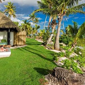 matamanoa-island-resort-fiji-honeymoon-packages-beachfront-bures-pool-views