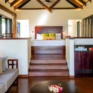 matamanoa-island-resort-fiji-honeymoon-packages-beachfront-villas-living-area